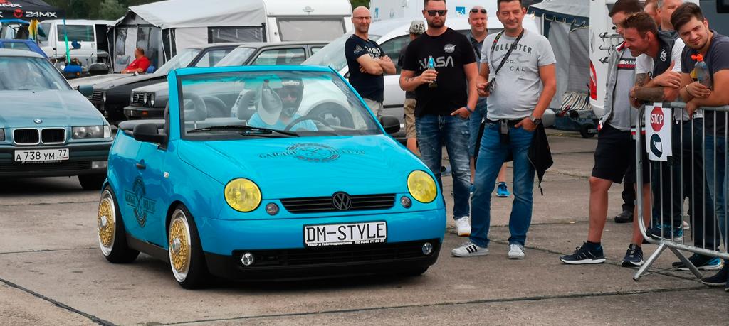 """Autofolierung Carwrapping mit Oracal 960 verkürzter VW Lupo """"Garage Deluxe"""""""