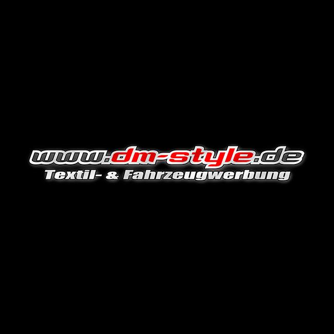 Logo DM-Style Textilwerbung, Fahrzeugwerbung, Autowerbung, Autofolierung, Auto folieren, Carwrapping