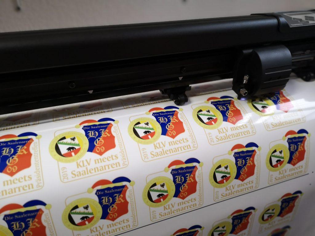 Farbige Digitaldrucke, Beschriftungen, Aufkleber für Unternehmen, Firmen, Vereine
