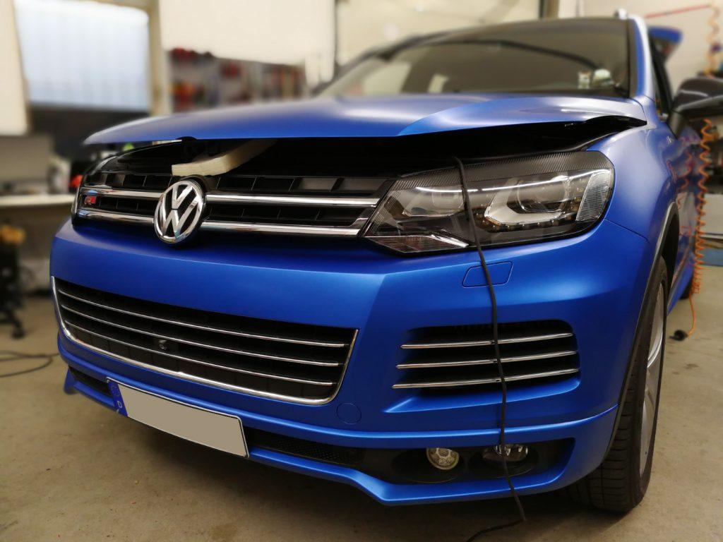 Auto folieren, Auto Folierung, CAR WRAPPING VW TOUAREG 3M 1080 Serie in satin perfect blue