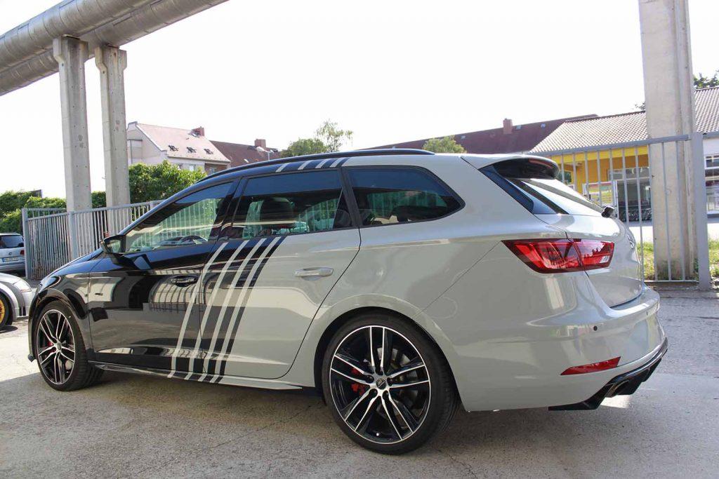 Auto folieren, Autofolierung, Carwrapping Seat Leon ST weiss schwarz