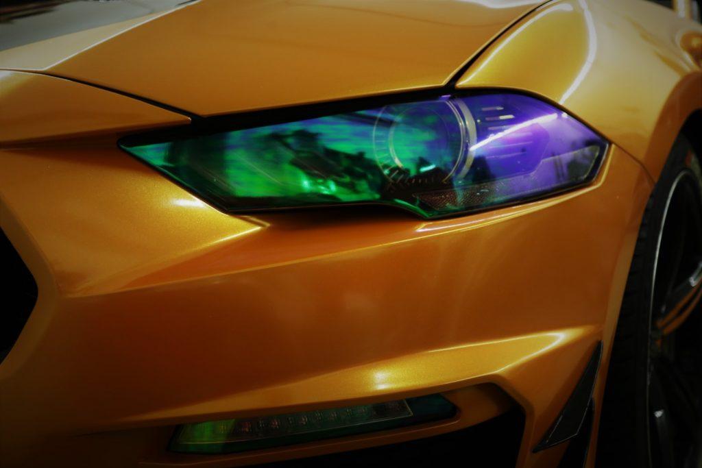Auto folieren, Autofolierung, Fahrzeug Vollfolierung, Carwrapping Ford Mustang in oracal 970 Mandarien Gold