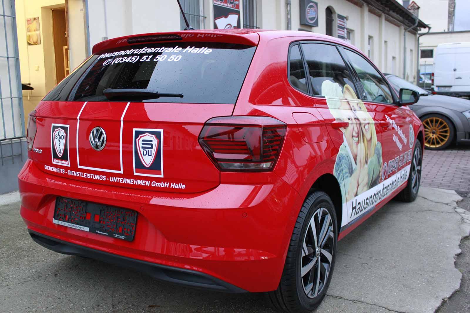 Fahrzeugwerbung, Fahrzeugbeschriftung, Auto folieren, Autowerbung VW Polo rot
