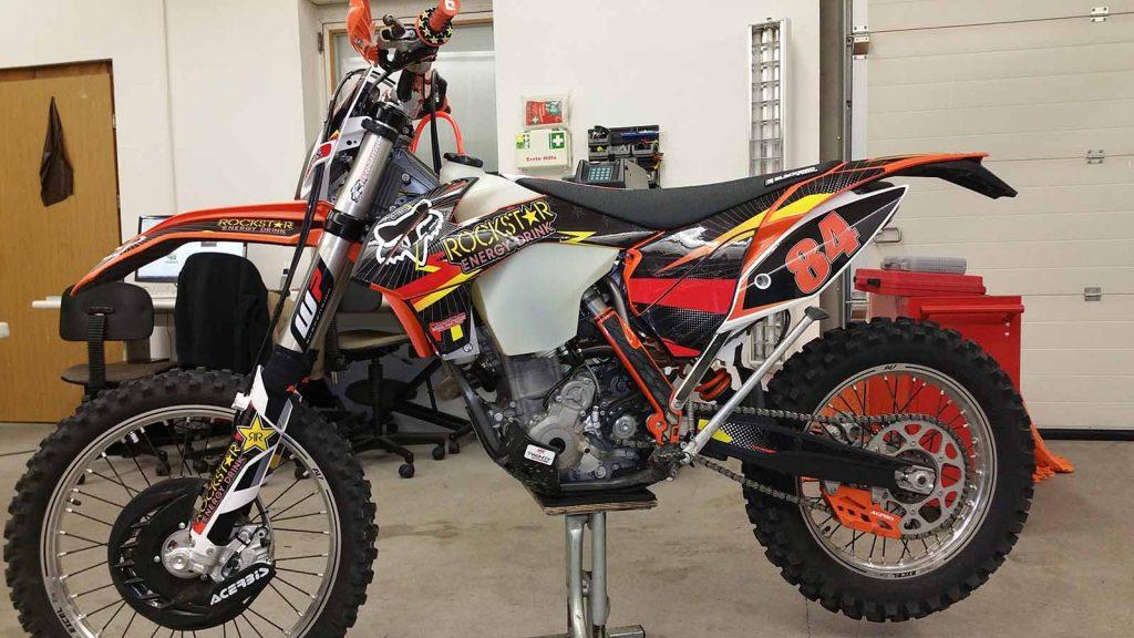 Motorrad folieren Motorradfolierungen, Motorrad wrapping Crossbike