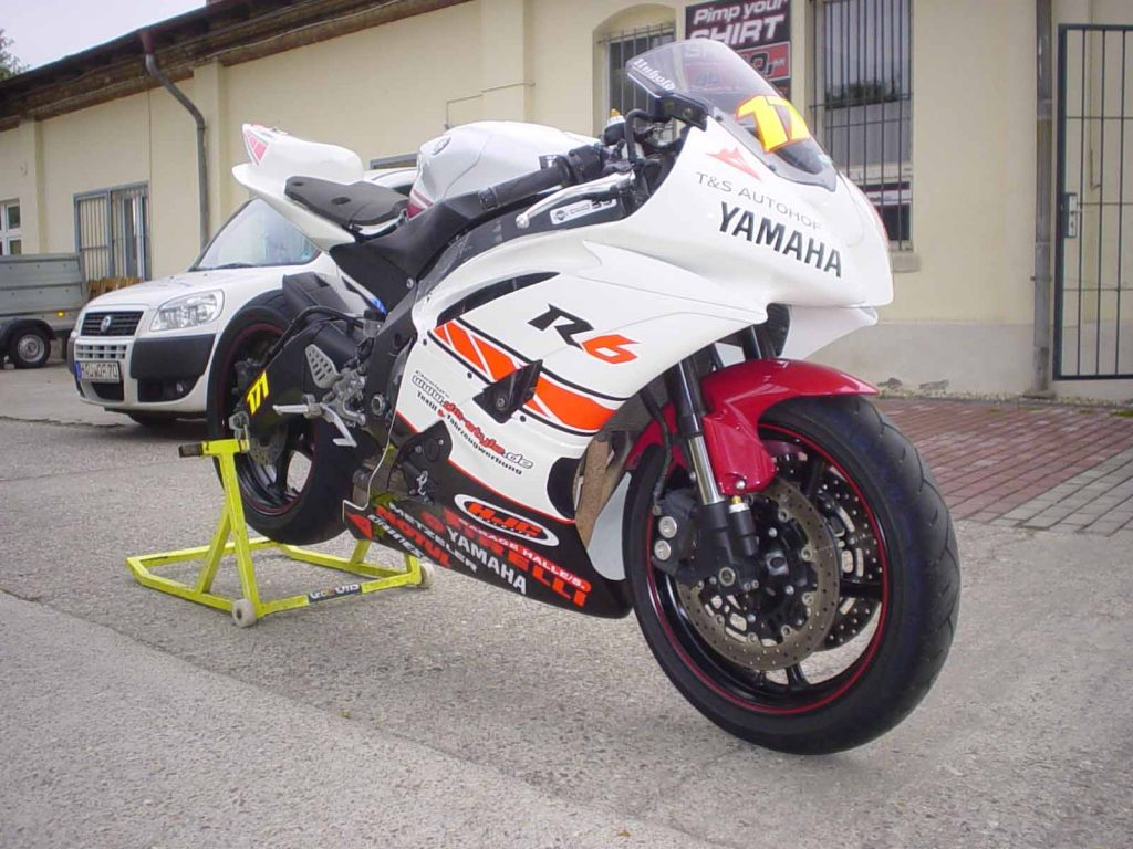 Motorrad folieren, Motorrad Folierungen, Motorrad Wrapping YAMAHA YZF-R 6 Supersportler weiss rot